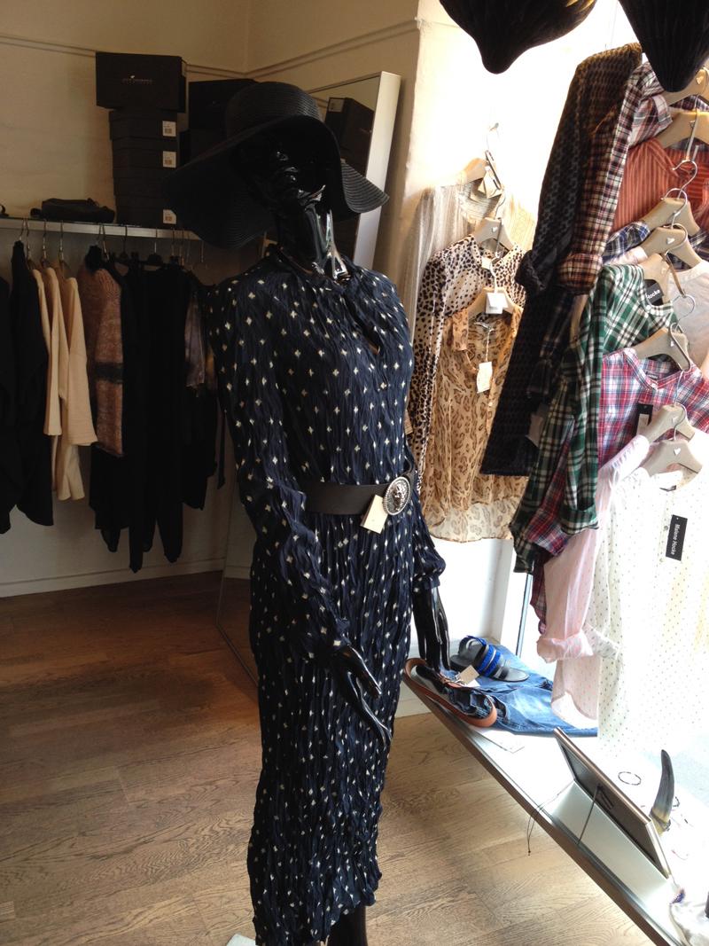 I just love denne kjole fra Heartmade!