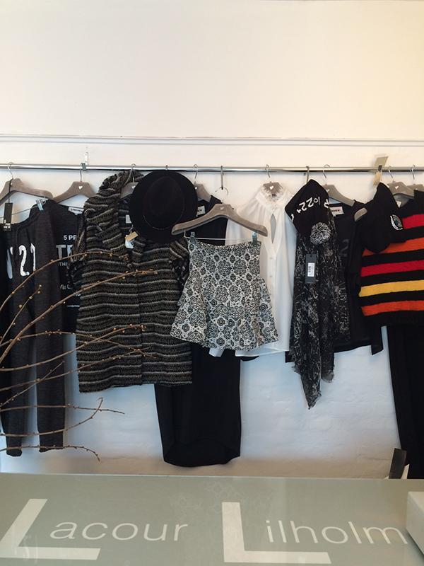 Tøj med kant…