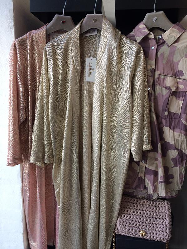 F…… fantastic kimonos